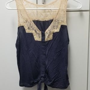 UO Tie Front & lace sleeveless blouse, Small
